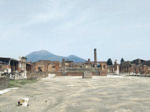 Ruinen am Forum des antiken Pompeii.