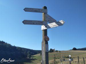 Schild am Start der 4. Etappe des Spessartbogens bei Marjoß.