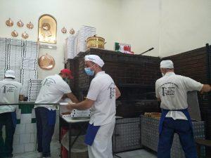 Da Michele in Neapel: Exzellente Pizza wie am Fließband.