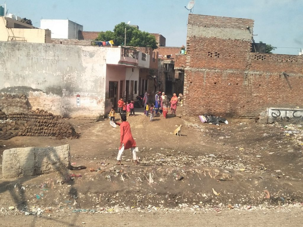 Mit dem Taxi unterwegs in Haridwar.