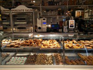 Das reichhaltige napolitanische Dessert-Buffet
