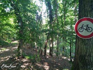 Durchfahrt verboten für Räder.