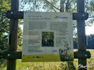 Schild zum Naturschutzgebiet Neuengronau und Hohenzell.