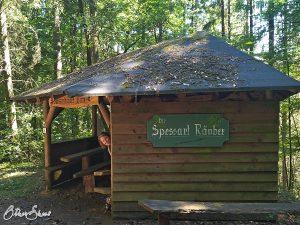 Spessarträuber-Hütte auf dem Weg nach Mernes.