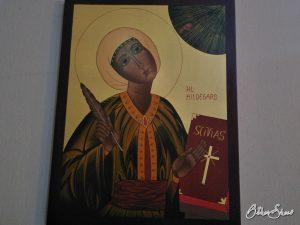 Hildegard-Gemälde in der Wallfahrtskirche.