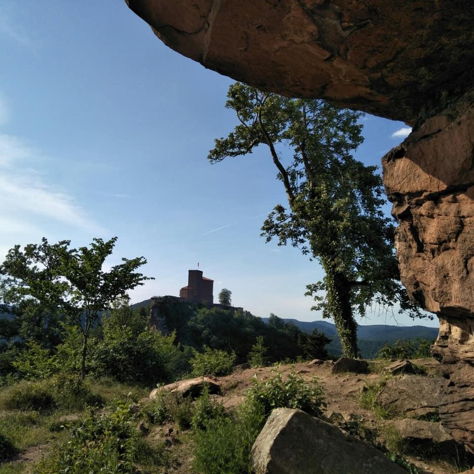 Blick auf Burg Trifels bei Annweiler.